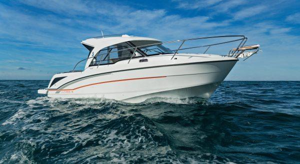 barche Beneteau motore fuoribordo: Antares 8