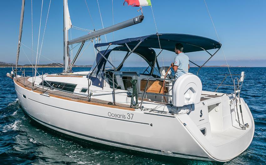 Beneteau Oceanis 37 vela usato sardegna