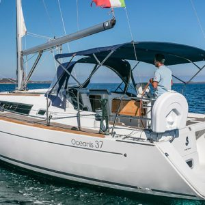 Used sailing boat 11 meters on sale Beneteau Oceanis 37