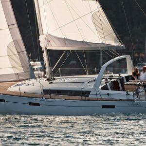Barca a vela usata in Sardegna: Oceanis 45